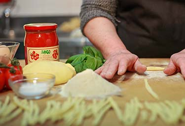 Pasta fresca e salsa fatta in casa azienda agrituristica Il Pago