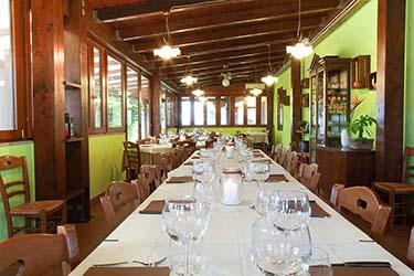 Sala ristorante tipico Rotondella azienda agrituristica Il Pago