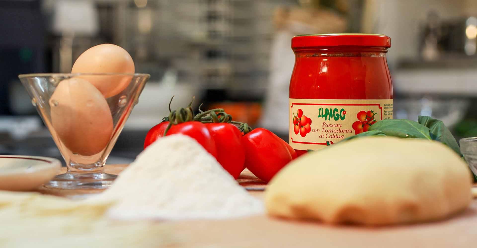 Ingredienti Frizzuli con Passata di Pomodoro e Pomodorini